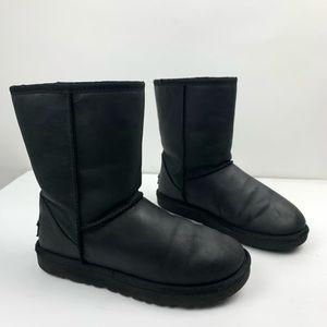 UGG Classic Short II Black Boots Matte Sz 7